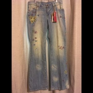 Z.Co.Embroidered distressed jeans